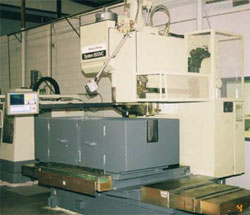 Brown and Sharp 500VC Bed Mill with ATC, CENTROID M-400 equipped.